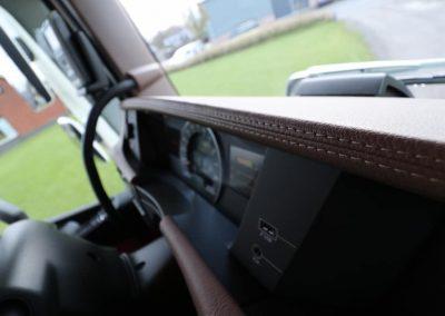Detail volvo dashboard leer