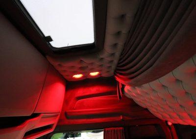 Ledspot rood vrachtwagen cabine