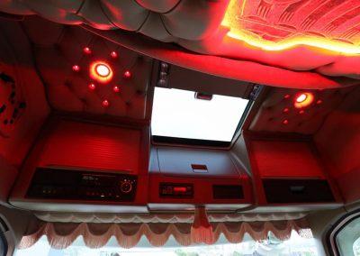 Rood verlichting cabine vrachtwagen